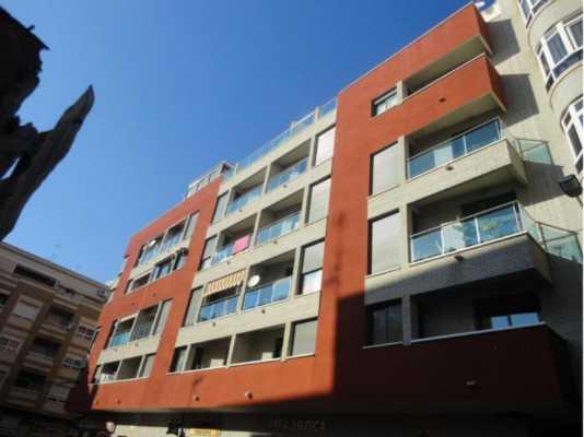 <!--:RU-->В центре Торревьехи светлая, солнечная, как новая квартира<!--:-->