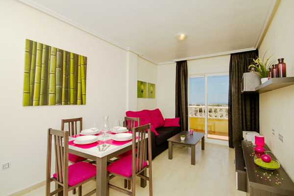 <!--:RU-->3-х комнатная квартира с видом на море в Кампоаморе<!--:-->