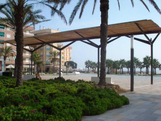 <!--:RU-->3-х комнатная квартира в 50 метрах от пляжа Ла Маты и центральной площади<!--:-->