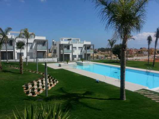 <!--:RU-->Последние бунгало в лучшем проекте Испании на солнечном побережье Коста Бланка<!--:-->
