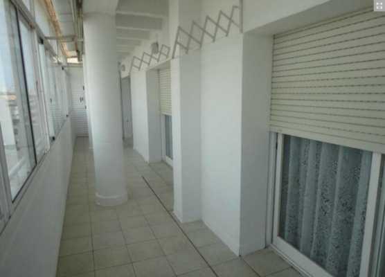 <!--:RU-->Недорогой 3х комнатный Пентхаус с большой террасой + гараж + кладовка+ бассейн<!--:-->