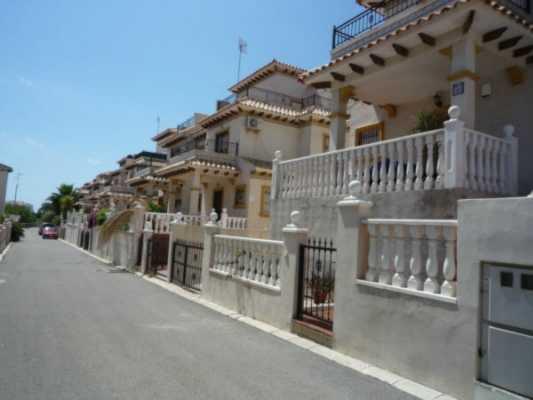 <!--:RU-->Таунхаус в Playa Flamenca<!--:-->