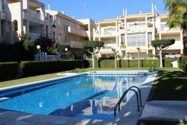 <!--:RU-->Прекрасная квартира в 200 метрах от моря и в 500 метрах от пляжа Лос Локос, Торревьеха<!--:-->
