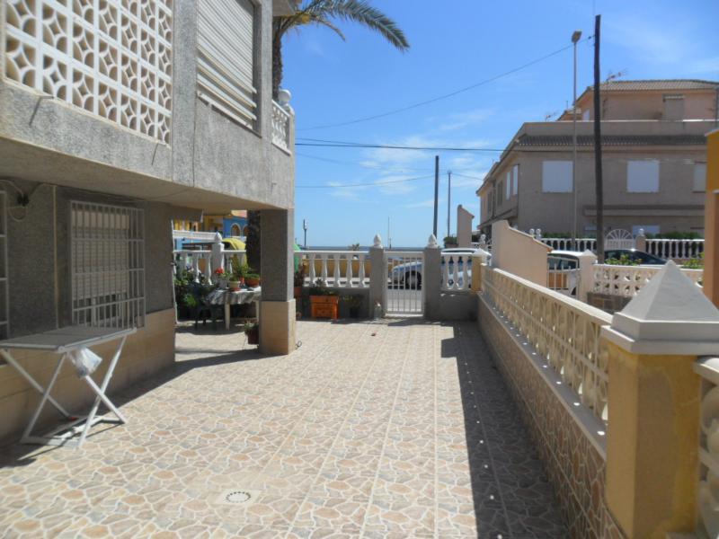 <!--:RU-->Продается новый дом на проспекте Германии в Ла-Мата, Торревьеха с видом на море. <!--:-->