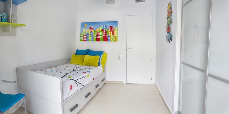 10 habitacion azul 2