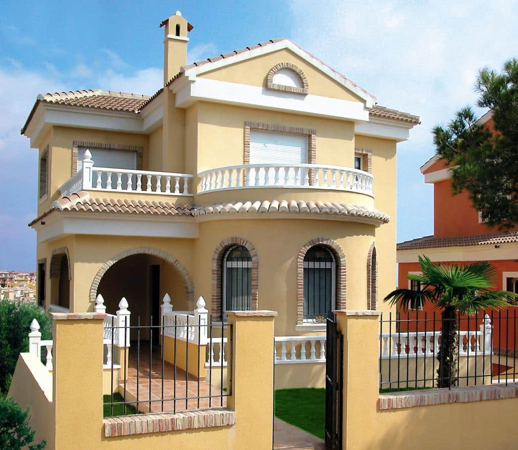 Detached villa: 3 bedrooms & 2 bathrooms