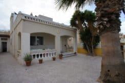 Снижена цена! Отдельный дом с большим двором в Сан-Мигель де Салинас