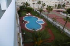 Продается двухкомнатная квартира в Торревьехе, расположенная на верхнем этаже южной части дома.