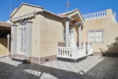 Продается Адосадо в Тихой закрытой урбанизации В городе Торревьеха