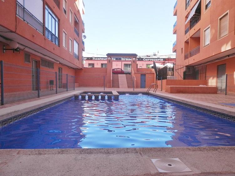Пентхаус с 1 спальней , гаражом  и бассейном в Торревьехе