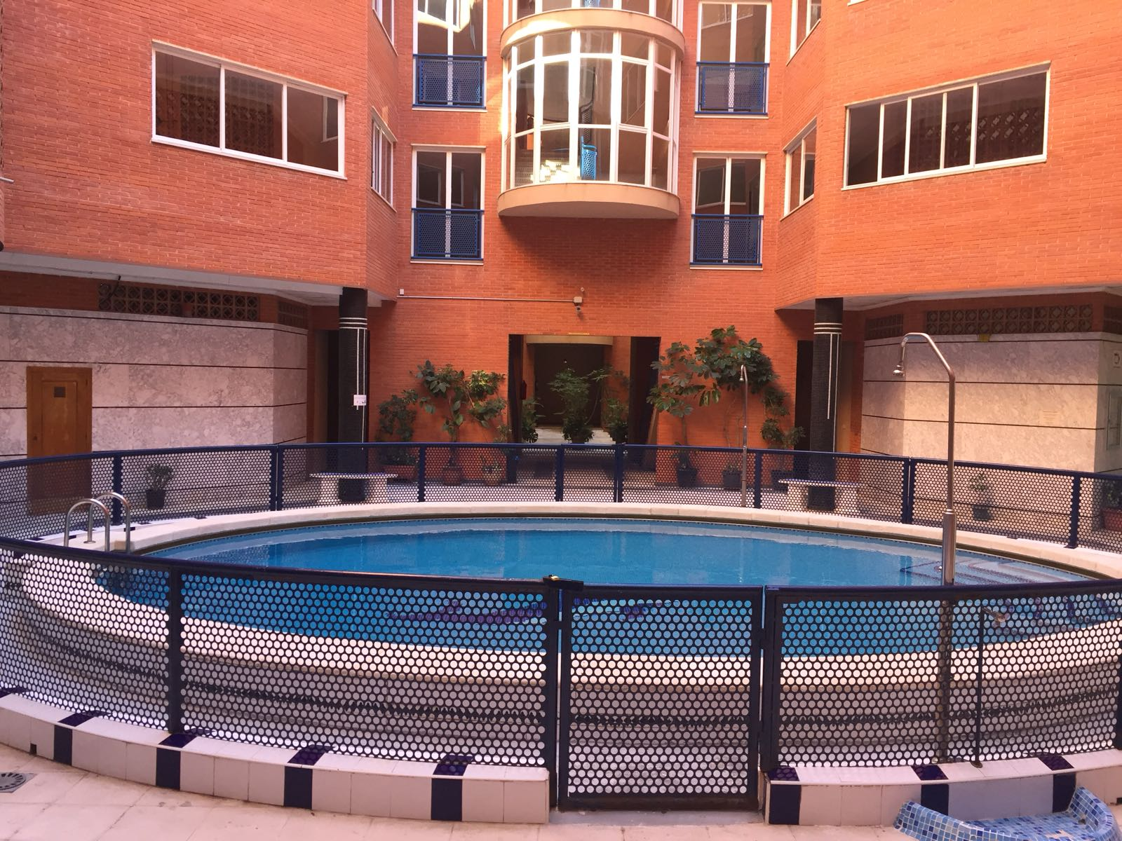 Цена снижена со 115000€! Просторная квартира с двумя спальнями в 100 м от пляжа